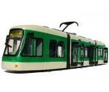 Tramwaj przegubowy z otwieranymi drzwiami City Tram